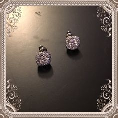 🆕Stunning quality CZ stud earrings 💎 These are soooo gorgeous! The picture does not do them justice. Jewelry Earrings