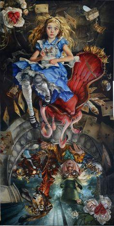 Heather Theurer est une artiste qui réalise de magnifiques, et parfois effrayantes, peintures Disney. Des toiles qui sont des peintures à l'huile sous licence Disney, même si les scènes et les personnages sont seulement...