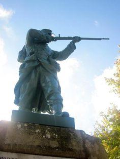 Monument aux morts – Montpazier, Aquitaine