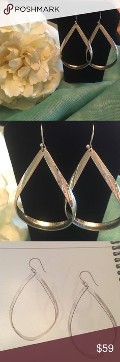 Silpada Do The Twist Earrings French wire drops, .925 Sterling silver, hammered silver. Nickel free. Silpada Jewelry Earrings