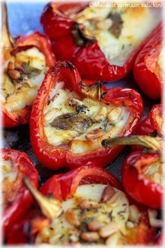 Taste for you, too !: Roasted peppers stuffed with Halloumi cheese, Food And Drinks, Taste for you, too !: Roasted peppers stuffed with Halloumi cheese. Vegetable Recipes, Vegetarian Recipes, Halloumi, Good Food, Yummy Food, Vegan Foods, Street Food, Food Inspiration, Healthy Snacks