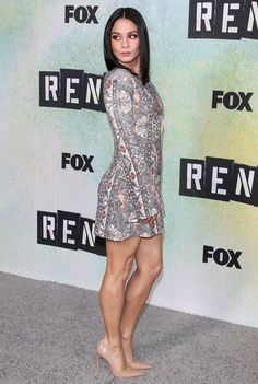 Vanessa Hudgens sexy legs in a little de and nude stilettos Vanessa Hudgens Legs, Estilo Vanessa Hudgens, Sexy Legs And Heels, Sexy High Heels, Beautiful Celebrities, Beautiful Actresses, Look Fashion, Fashion Outfits, Look Boho Chic