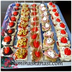 """The post """"kanepe tarifi"""" appeared first on Pink Unicorn Kreatives Catering, Salted Caramel Chocolate, Food Platters, Partys, Arabic Food, Iftar, Turkish Recipes, Pudding Recipes, Party Snacks"""