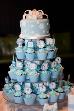 Baby shower cupcakes BABY SHOWER CAKES IDEAS ETC Pinterest