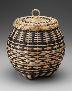 lidded basket - this vender will be at the Md Sheep & Wool festival in May