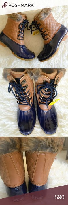 | new | furry duck boots *water resistant *faux fur Arctic Plunge Shoes