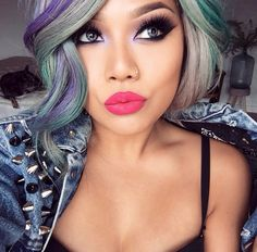 Everything about pala_foxxia in this picture is perfect! Her hair! Her makeup! Her lips!