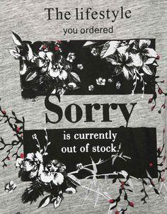T-shirt imprimé texte. Découvrez cet article et beaucoup plus sur Bershka, nouveaux produits chaque semaine.