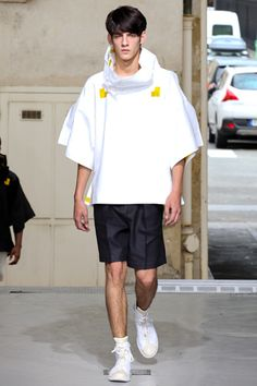 Issey Miyake Spring 2013 Menswear Collection Slideshow on Style.com
