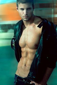 Paige Tyler - Author of Sexy, Romantic Fiction: Tasty Tuesday Hunk!