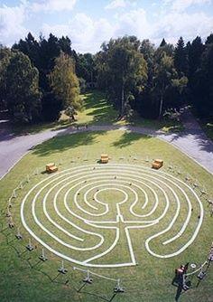 Gardening – Gardening Ideas, Tips & Techniques Garden Art, Garden Design, Labyrinth Walk, Prayer Garden, Labrynth, Spiritual Path, Land Art, Sacred Geometry, Pathways