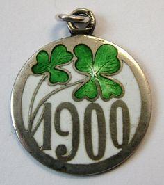 Anhänger Jugendstil Art Deco 800 Buchform Seiten Punzen H Monogramm verziertSilver & Enamel Lucky Clover 1900 Charm