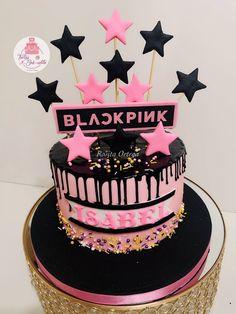 Birthday Ideas, Birthday Cake, Facebook, Desserts, Food, Beautiful Bags, Lima Peru, Themed Cakes, Moda Femenina