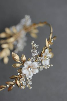 BESPOKE for Justyna_Dita Coco wedding crown headpiece 3 - Haarschmuck Gold Wedding Crowns, Headpiece Wedding, Bridal Headpieces, Wedding Rings, Wedding Veils, Grecian Wedding, Wedding Jewelry For Bride, Gold Headpiece, Wedding Tiaras