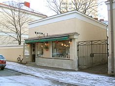 Ojakadun Vohvelikahvila, an adorable waffle cafe in a tiniest stone foundation building possible! Cities In Finland, Viking House, The Pancake House, Helsinki, Coffee Time, Iceland, Norway, Sweden, Places To Go