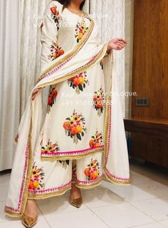 Explore the most extensive collection of Sabyasachi suits. His stylish outfits are must-haves for every ethnic wardrobe. Sharara Designs, Kurta Designs Women, Kurti Designs Party Wear, Blouse Designs, Indian Attire, Indian Wear, Indian Outfits, Ethnic Outfits, Indian Gowns