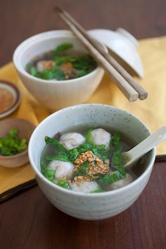 How to Make Fish Balls? Fish balls are delicious and made of fresh fish fillet Fish Recipes, Seafood Recipes, Asian Recipes, Soup Recipes, Cooking Recipes, Recipes With Fish Balls, Chinese Fish Balls Recipe, Fish Ball Soup Recipe, Malaysian Cuisine