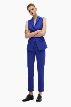 traje azul royal adolfo dominguez