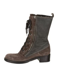 Great boots, love that they are not too tall.