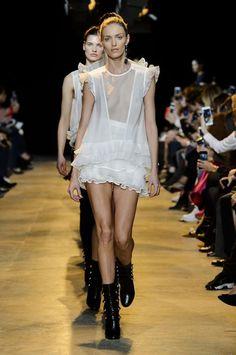 LESS IS MORE — uh-la-la-land:   Isabel Marant fashion show
