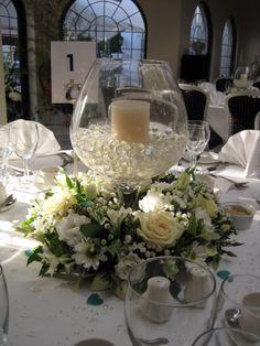 Brandy glass table arrangement in creams/white