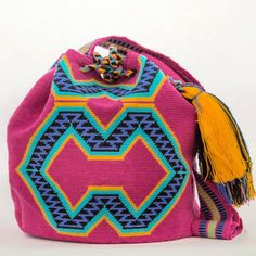 Wayuu Inforamtion for Product Hermosa Wayuu bags. Hermosa Wayuu Style mochilas are rare art for its' complexity & method to produce a single Wayuu Tribe Bag.