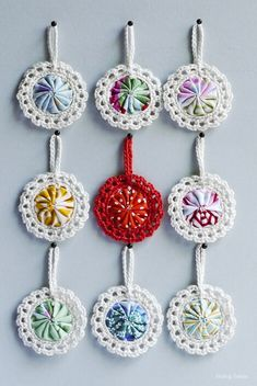 Croyo-Yo's Ornaments - this would be a great way to join yo-yo's for a quilt/afghan