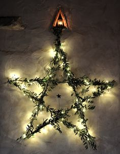 Christmas wire star with lights