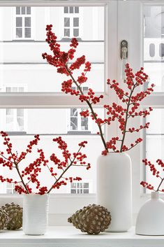 The Scandinavian Christmas decoration with Ilex branches is something very special.- The Scandinavian Christmas decoration with Ilex branches is something very special. The red berries are great for crafting and decorating!