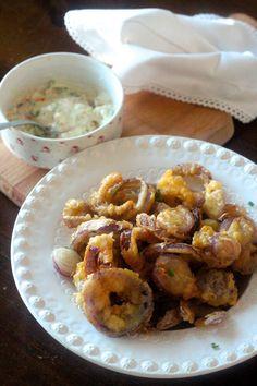 Fritos de Cebola Roxa - http://gostinhos.com/fritos-de-cebola-roxa/