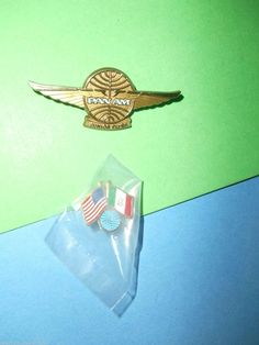 Vintage Ozark Airlines Plastic Advertising Premium Pilots Wings Pin MINT