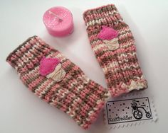 Check out this item in my Etsy shop https://www.etsy.com/listing/172553238/toddlers-fingerless-gloves-ice-cream