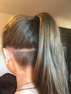 Undercut - New Hair Design Undercut Ponytail, Undercut Hairstyles Women, Undercut Long Hair, Ponytail Hairstyles, Cool Hairstyles, Cut My Hair, Hair Cuts, Undercut Hair Designs, Shaved Hair