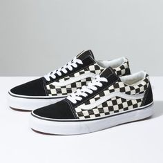 The Primary Check Old Skool, the Vans classic skate shoe and first to bare the iconic sidestripe, is a low top lace-up featuring sturdy canvas and suede uppers with the iconic Vans checkerboard print. The Old Skool also includes re-enforced toecaps to withstand repeated wear, padded collars for support and flexibility, and signature rubber waffle outsoles.