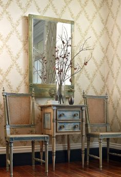 A classic lattice vine, Beauclaire Trellis was inspired by Beauclaire handprint fabric from Charles Faudree's first fabric collection.