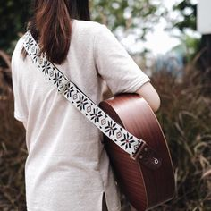 White Woven Guitar Strap handcraft by Qilin