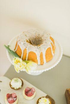 Gorgeous cakestand | theglitterguide.com