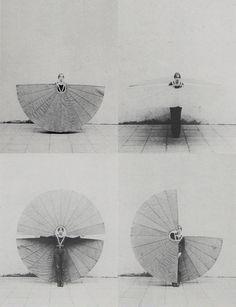 efedra:    Mechanischer Körperfächer, 1972 by Rebecca Horn