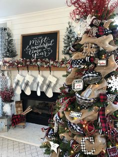 My Christmas fireplace decoration with my buffalo check Christmas tree . - My Christmas fireplace decoration with my Buffalo Check Christmas tree - Christmas Mantels, Christmas Tree Themes, Noel Christmas, Xmas Decorations, Christmas Wreaths, Christmas Crafts, Elegant Christmas, White Christmas, Country Christmas Trees