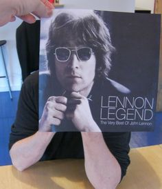 The Idee Blog » Blog Archive » To pose, perchance to sleeveface…