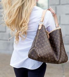 Louis Vuitton Delightful MM - Beautiful luxury bags sold on consignment.