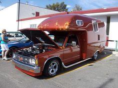 Custom RV motorhome based on a Chevrolet truck Chevy S10, Chevrolet S10, Retro Caravan, Camper Caravan, Camper Trailers, Truck Bed Camper, Mini Camper, Pickup Camper, General Motors