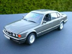 BMW 750iL (E32) | 25 years of BMW 12-cylinder engines | Pinterest ...