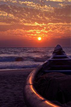 Beach boat sunset  (by Vivek Vigneswaran on 500px)