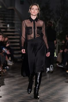 ABOUT Built on Scandinavian simplicity, Filippa K is a fashion brand designing essential wardrobe pieces for women and men, including shoes, bags and accessories. Founded in Filippa K quickly… Fashion 2018, Boy Fashion, Runway Fashion, Fashion Show, Fashion Outfits, Fashion Design, Fashion Ideas, Stockholm Fashion Week, All Black Everything