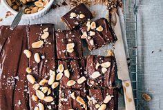 Chocolademousse blokjes No Bake Cake, Candy, Snacks, Cookies, Chocolate, Baking, Desserts, Recipes, Food