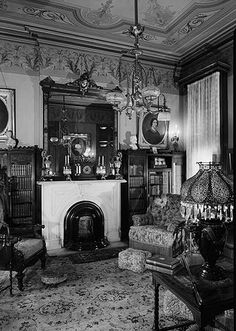 "It may be a ""Victorian parlor"" but the Edwardian style wasn't that much changed. I can almost picture this parlor room in the Millers' mansion on Queen Anne Hill in Seattle, WA. Victorian Rooms, Victorian House Interiors, Victorian Parlor, Victorian Life, Victorian Furniture, Victorian Decor, Vintage Interiors, Victorian Fashion, Victorian Houses"