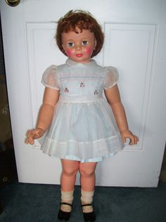 "VINTAGE ""CURLY HAIR"" IDEAL PATTI PLAYPAL ALL ORIGINAL AND EXCELLENT (this is the dress I need to find for my doll)"
