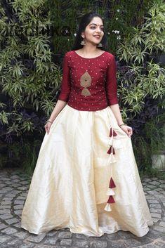 Long Skirt Top Designs, Long Skirt And Top, Long Dress Design, Half Saree Designs, Fancy Blouse Designs, Kerala Engagement Dress, Kalamkari Dresses, Kalamkari Blouse Designs, Anarkali Dress