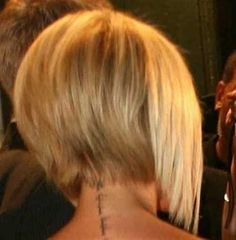 Bing : back view of victoria beckham bob hairstyle - Haircutsbest. Angled Bob Hairstyles, Short Bob Haircuts, Hairstyles Haircuts, Edgy Haircuts, Woman Hairstyles, Bob Haircut Back View, Line Bob Haircut, Pixie Haircut, Cool Haircuts For Women
